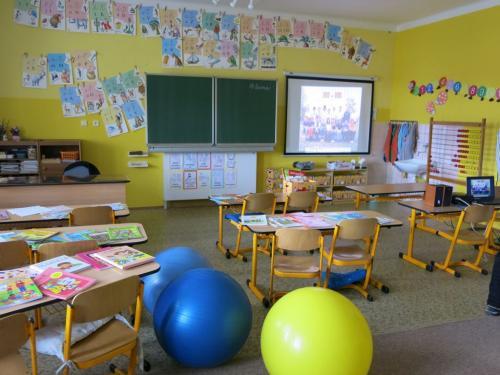 Setkání rodáků a 70.výročí otevření cehnické školy.